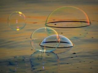 обои Пузыри на воде фото