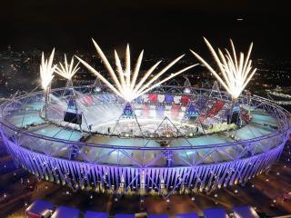 обои Вид спортивной арены под вечер фото