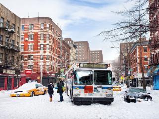 обои Завалил снег улицы города фото