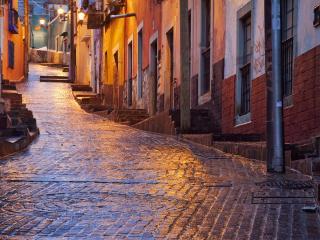 обои для рабочего стола: Маленькие и узенькие улочки города