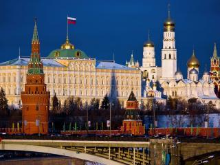 обои На мосту у кремля фото
