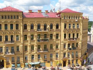 обои Вид здания с красивым фасадом фото