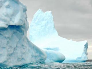 обои Два одиноких айсберга фото