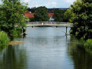обои Небольшой мостик в деревне фото
