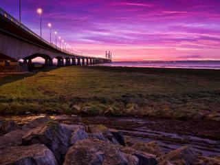 обои Светятся фонари на мосте длинном фото