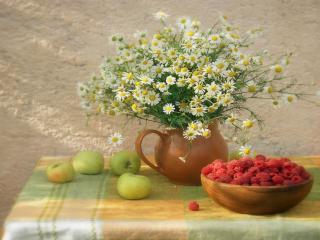 обои для рабочего стола: Натюрморт - Цветы, малина и яблоки