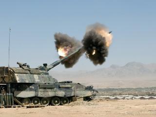 обои Замедленный выстрел из танка фото