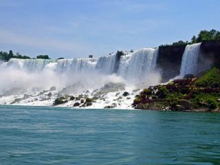обои Водопад для туристов фото