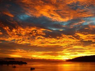 обои Золотые облака заката фото