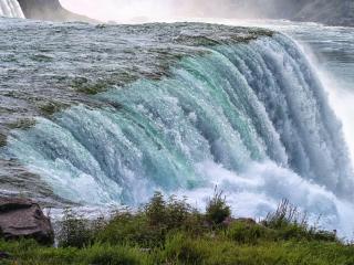 обои Большой водопад в горах фото