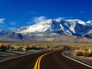 обои для рабочего стола: Извилистая дорога в горы