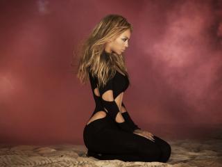 обои Beyonce Knowles погружается в медитацию фото