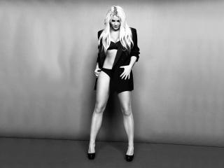 обои Britney Spears в длинном пиджаке фото