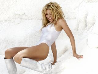 обои Shakira в белом боди фото