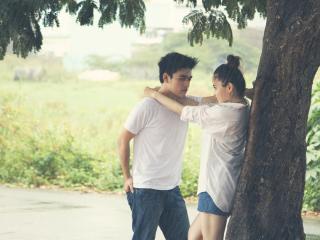 обои Влюбленная азиатская пара фото
