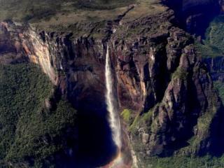 обои Водопад в горах фото