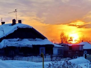 обои Крыша с полыхающим закатом фото