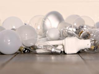 обои Разные лампочки для света фото