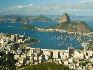 обои Город среди скалистой местности фото