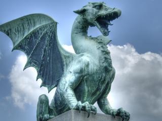 обои Скульптура летающего дракона фото