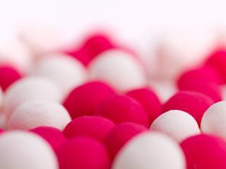 обои Мягкие красно белые шарики фото
