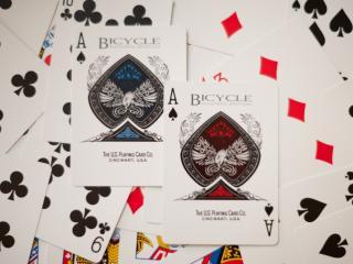 обои Два покерных туза фото