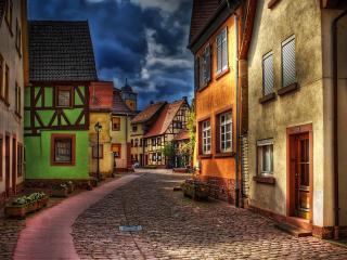 обои Тихая улица небольшого города фото