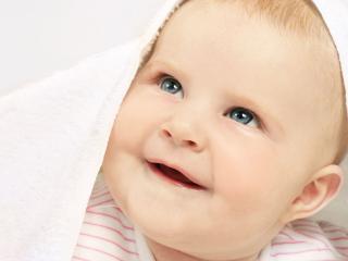 обои Малыш улыбается фото