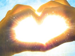 обои Солнечное сердечко фото