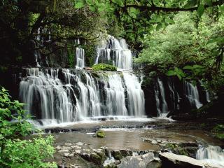 обои Водопад на лесной peке фото
