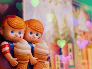 обои Куклы с рожками мороженого фото