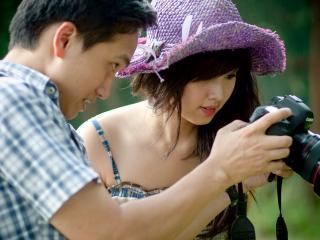 обои Пара снимает фотоаппаратом фото