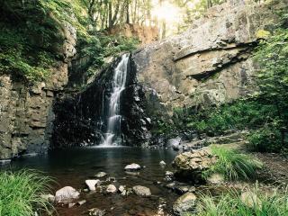 обои Водопад небольшой реки фото