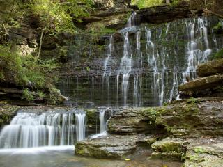 обои Рассеянный водопад фото