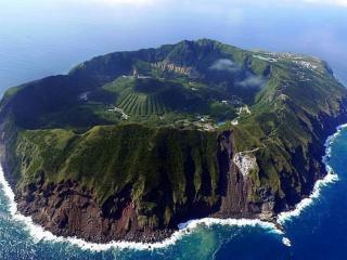 обои Аогашима — вулканический японский остров фото