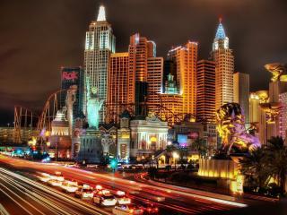 обои Ночные широкие автодороги у города фото