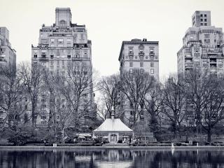 обои Вид зданий у речки тихой фото