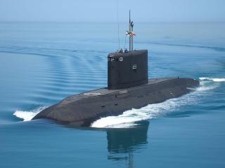 обои Черная подводная лодка фото