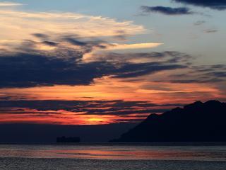 обои Багряное небо вечером фото