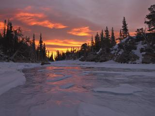 обои Зимняя река вечерoм фото