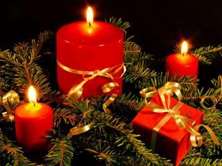 обои Свечи и подарок фото