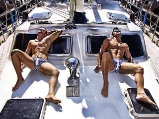 обои Мужчины на яхте фото