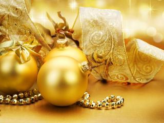 обои Новогодние украшения в золотистых тонах фото