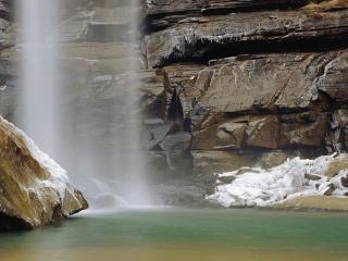 обои Зимняя дымка водопада фото