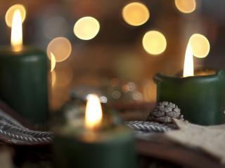 обои Три новогодние свечи фото