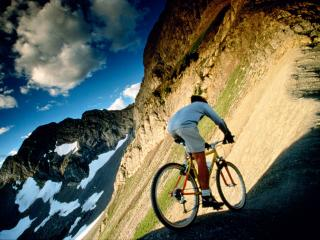 обои Горный велосипедист фото
