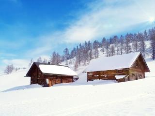 обои Деревянные постройки на склоне снежном фото