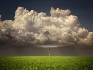 обои Облако и молния над полем фото