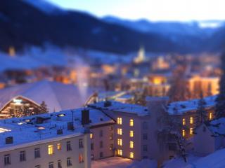 обои Светятся окна домов зимнем вечером фото