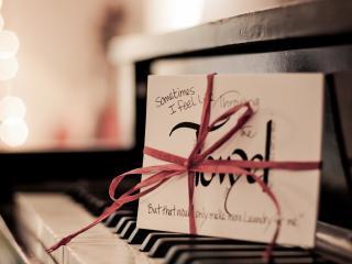 обои Письмо на пианино фото